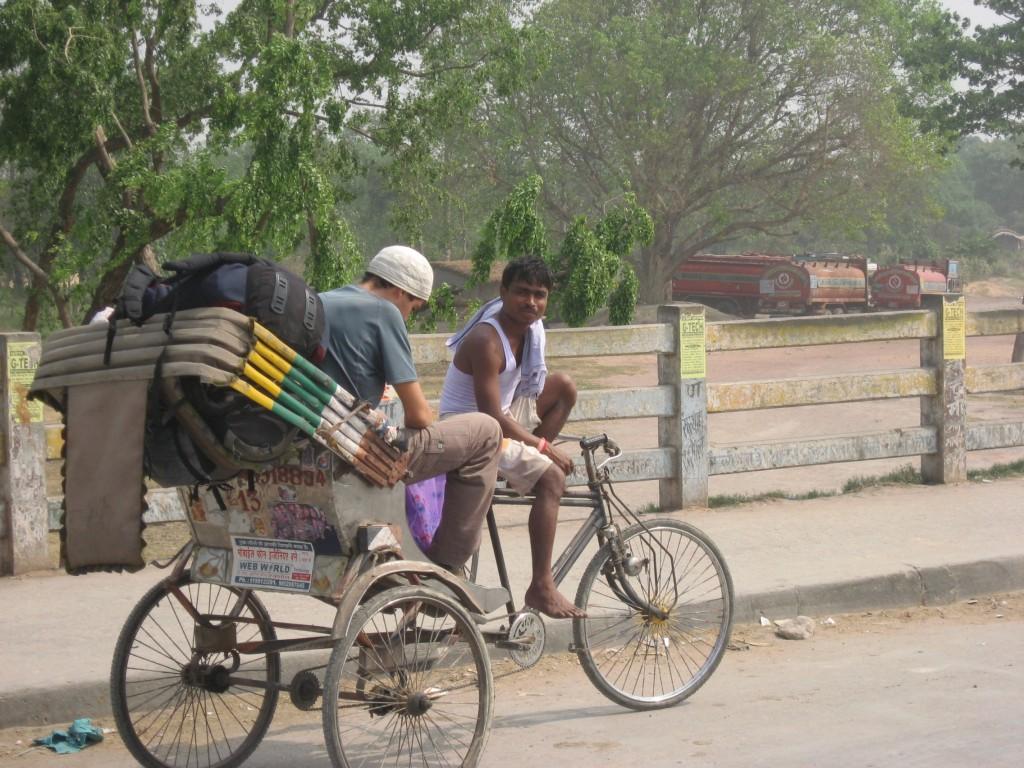 Notre velo rickshaw nulle part entre l'Inde et le Nepal